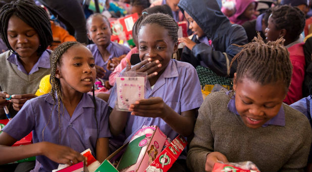 operation-christmas-child-gifts